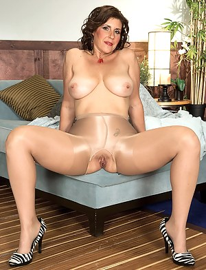 Big Tits Pantyhose Porn Pictures