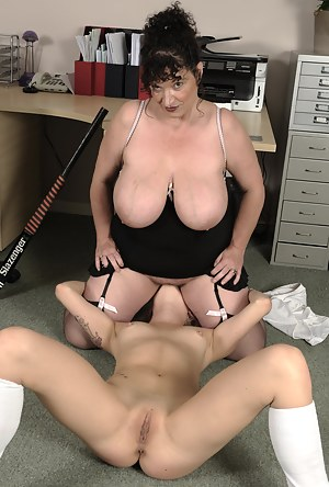 Big Tits Lesbian Pussy Licking Porn Pictures